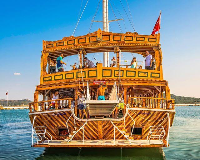The sexy wooden ferry ⛵️ #turkey #summer