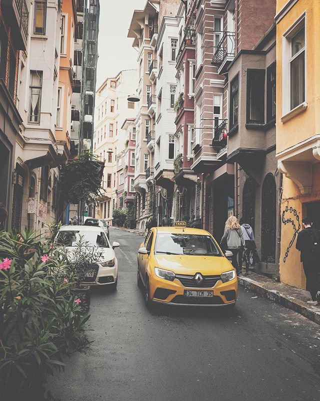 Best thing abut these streets is not just the feel & architecture but the hidden cafes & restaurants.. Photo from our house neighborhood in #Beyoglu #Istanbul