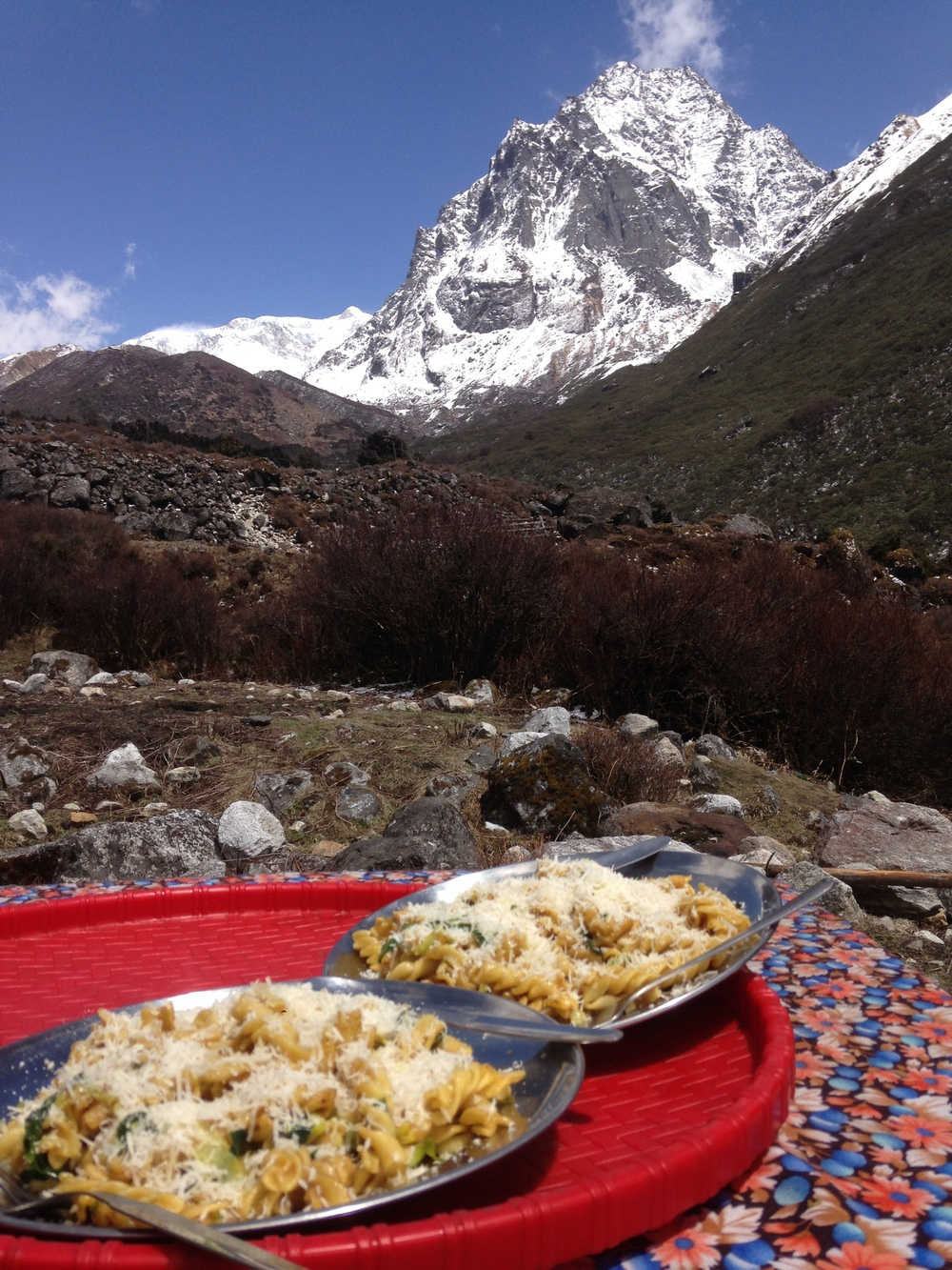 A beautiful Mac & Yak Cheese picnic at Cheram.