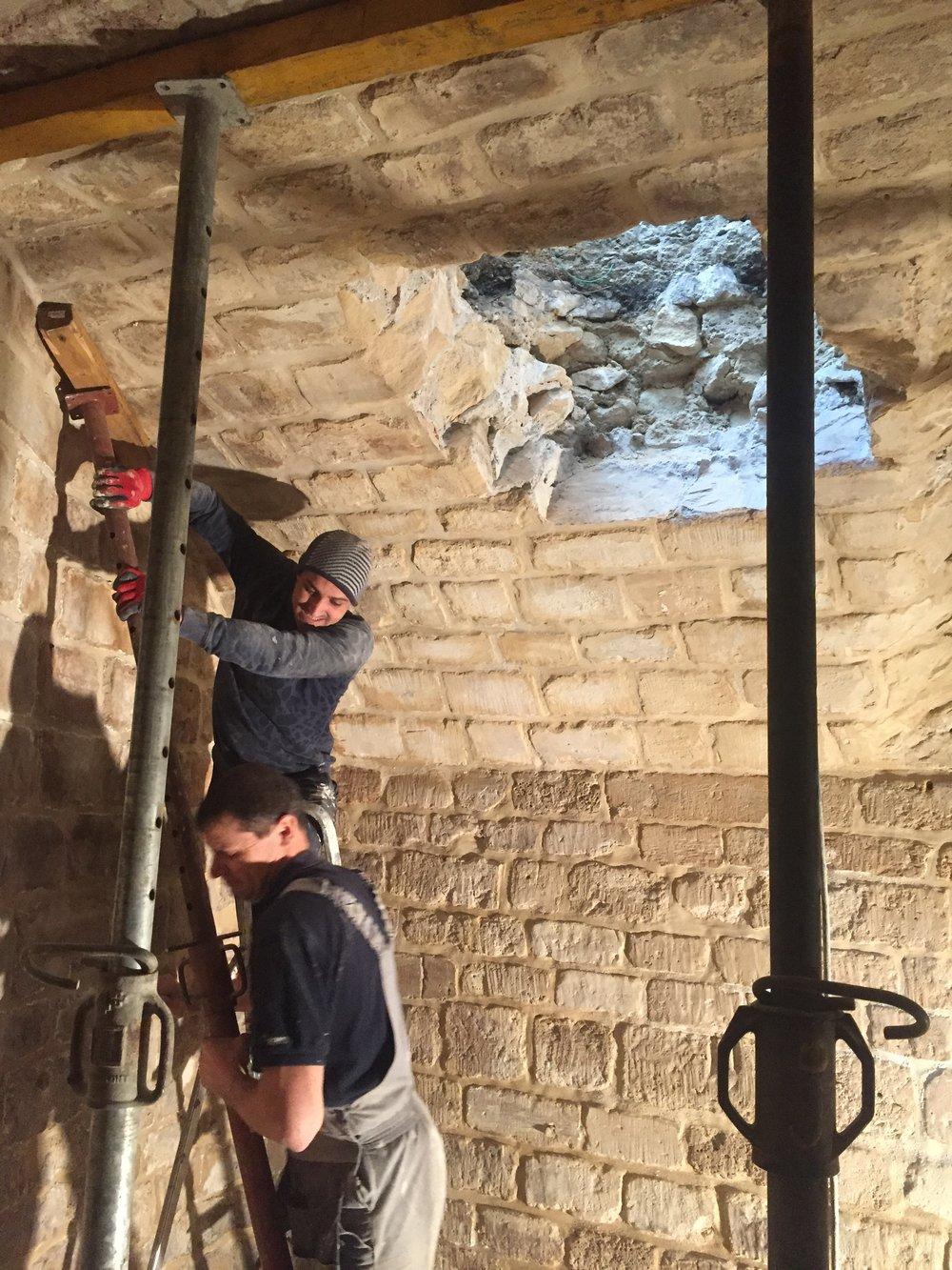 06/02/2019 - CHANTIER - RUE MANUEL   Aménagement d'un espace de coworking dans une cave voutée en pierre