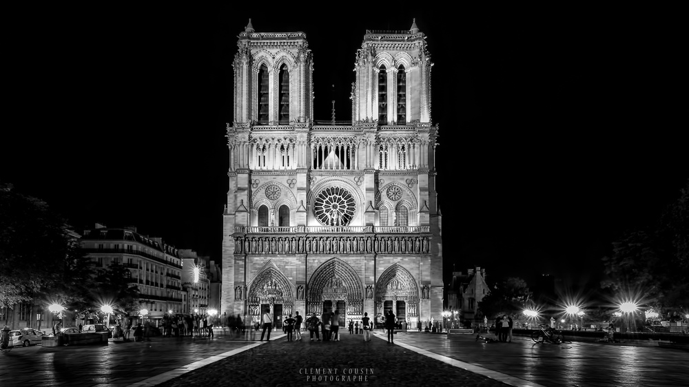 Cliché en noir et blanc de Notre-Dame de Paris