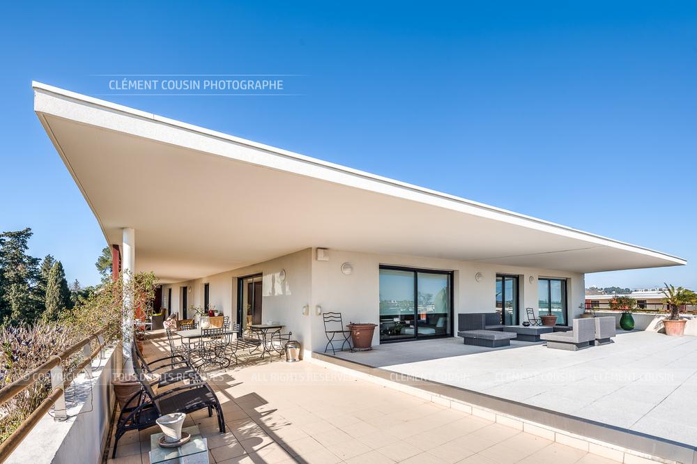 shooting immobilier villa sur les toits montpellier cl ment cousin. Black Bedroom Furniture Sets. Home Design Ideas