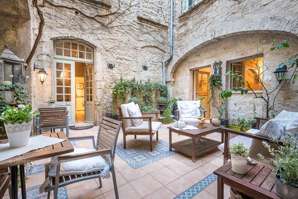 Immobilier-prestige-hotel-particulier-chambre-hote-pezenas-clement-cousin-9.jpg