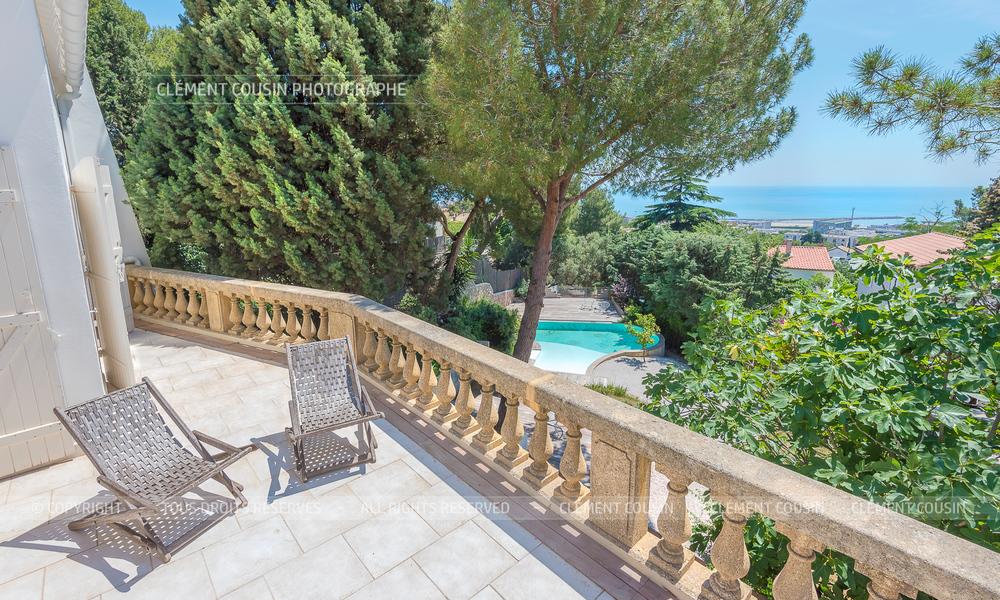 Sotheby's villa sète piscine terrasse-1.jpg