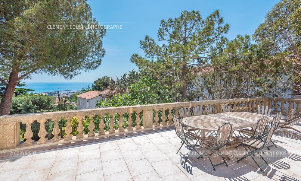 Sotheby's villa sète piscine terrasse-13.jpg