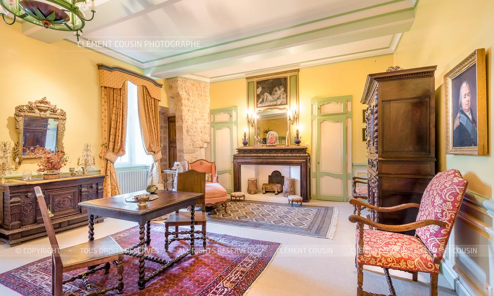 Sotheby's Uzes-Chateau Pouzilhac-4.jpg