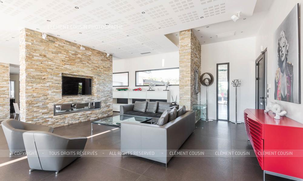 Sothebys-villa nimes-moderne-piscine-2.jpg