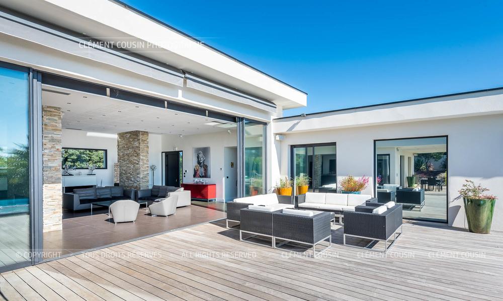Sothebys-villa nimes-moderne-piscine-10.jpg