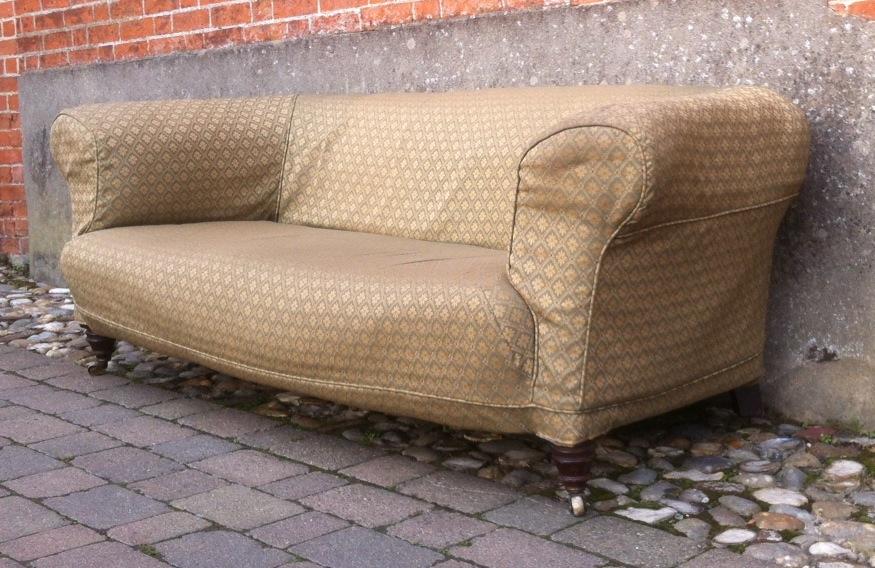 Hamptons Sofa.JPG