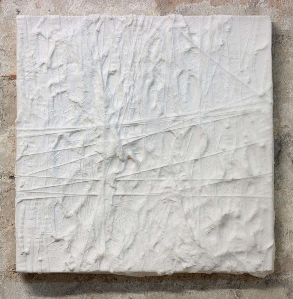sAsinhl (frozen)  Plaster, 2012 40 x 40 x 3.5 cm Photo: Sven Reichelt