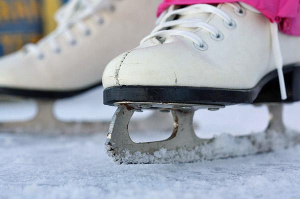 girl-ice-skates.jpg