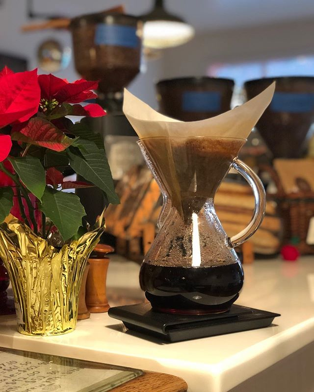 Good morning Chestnut Ridge great start to my day ahhhh #chemex❤️ #happyholidayscoffeelovers #localcoffeeroasters #organic Congo #singleorigincoffee #localxoffeeshops #supportlocalcoffeeshops #supportlocalcoffeeroasters #organic #vegan #bulldogbakery #followthebulldog #comingsoontoramseynj
