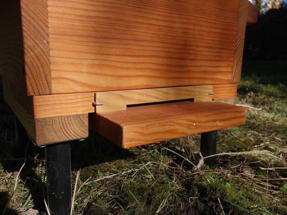 Le plancher en position avec la portière d'hiver