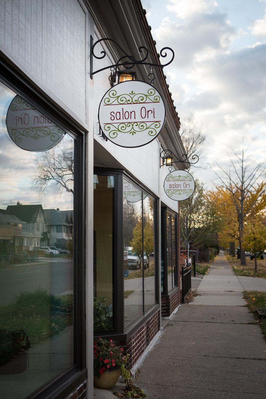 Salon Front