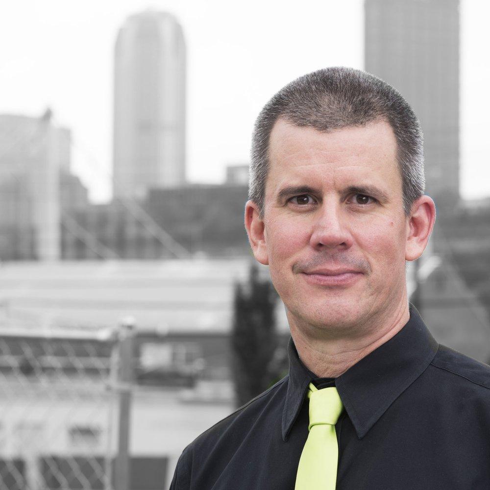 Kevin Noe - ARTISTIC DIRECTOR