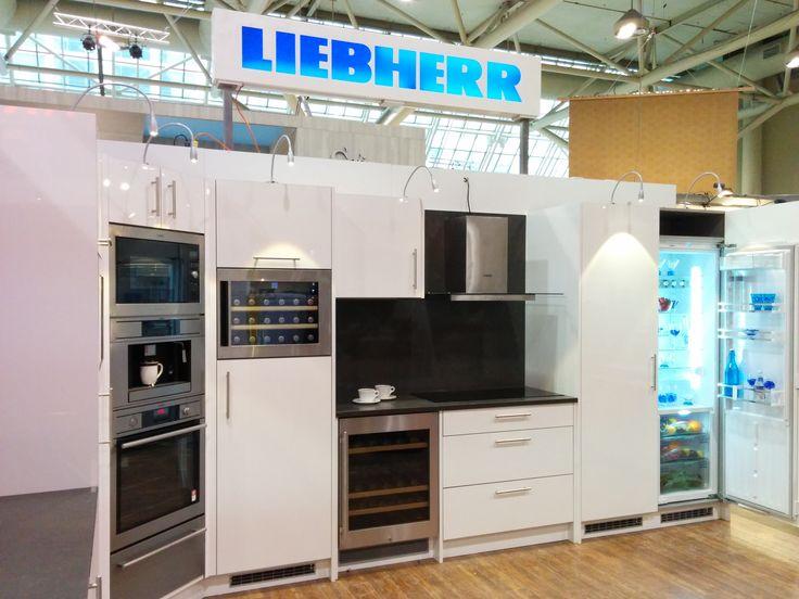e7ebc72e25c2c3845e5de8bfb0e2e622--freezers-white-kitchens.jpg