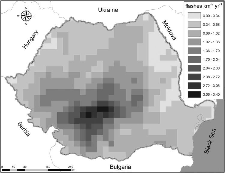 Figura 2. Densitatea medie anuală a trăsnetelor în România între 2003 și 2007.(Figură reprodusă din  Antonescu and Burcea 2010 .)©American Meteorological Society.