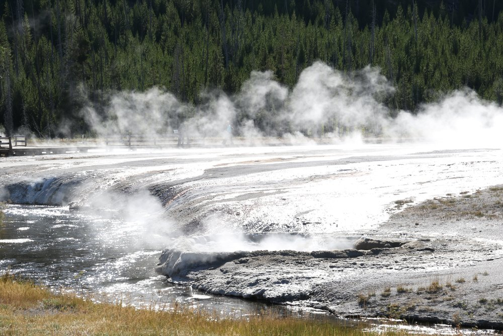 yellowstone black sand basin 7.jpg