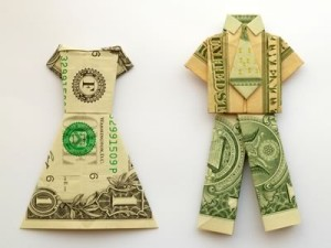 money-origami-clothes-men-and-women_1-300x225.jpg