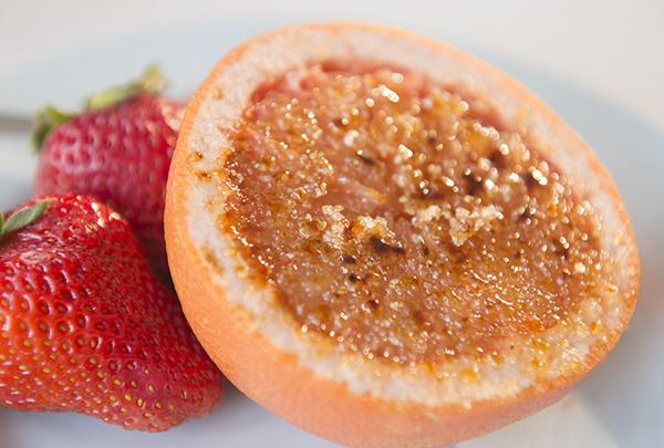 grapefruit-brûlée-Chasing-Saturdays