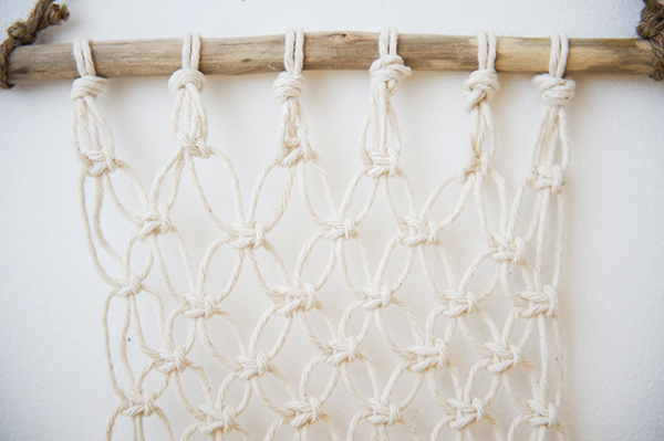 macrame wall hanging how-to - chasing saturdays