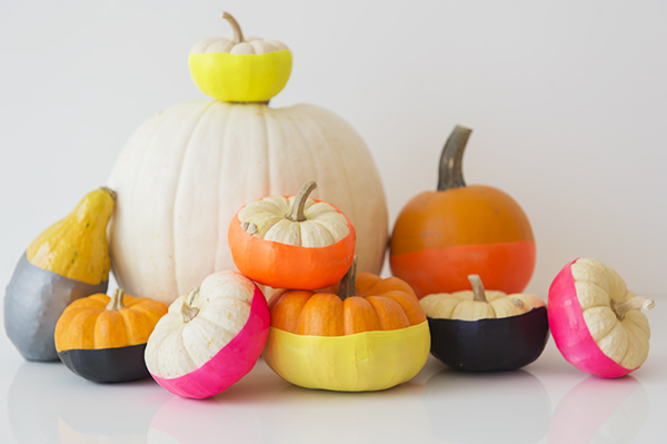 "no carve, no paint ""dip-dyed"" pumpkins - chasing saturdays"