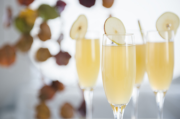 apple cider mimosas - chasing saturday