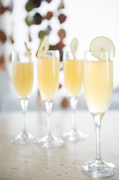 apple cider mimosas - chasing saturdays