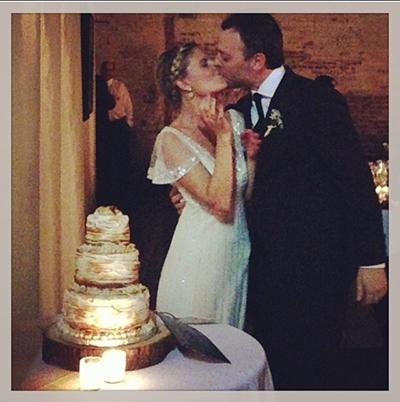 s'more wedding cake - chasing saturdays