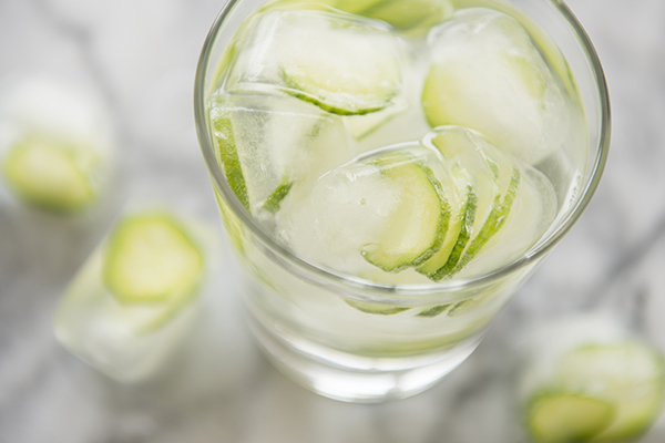 cucumber ice cubes - chasing saturdays