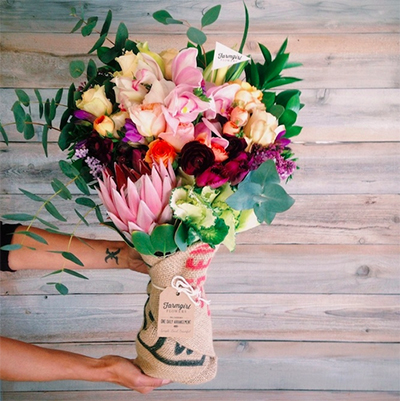 farmgirl fresh flower delivery service - chasing saturdays