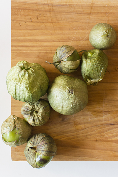 tomatillo salsa verde - chasing saturdays