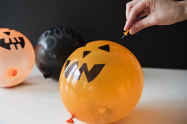 pumpkin balloon piñatas - chasing saturdays