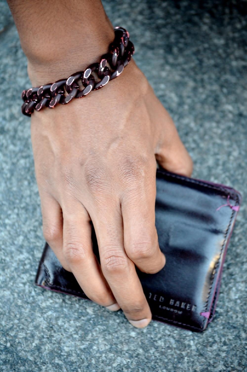 Bracelet : Topman // Wallet : Ted Baker