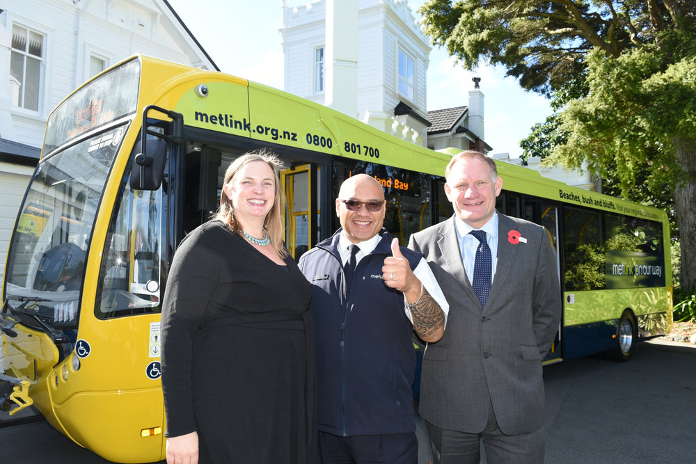 The Optare Metrocity gets a 'thumbs up' from Tranzit driver Tua pictured here with Acting British High Commissioner, Helen Smith, and Graham Belgum, Optare President