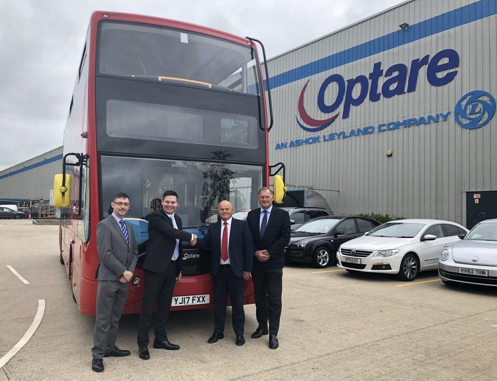 1 Reading Buses Metrodecker Handshake Optare Logo.jpg