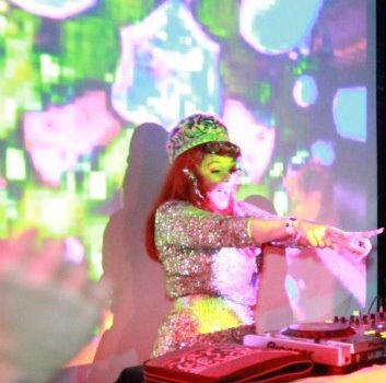 i'm looking to rent a projector in SYDNEY FOR MARCH 4TH , If you've got a connection, mail me at ladykier@mac.com. xoxo i fly out tuesday.    http://www.mixcloud.com/ladykier/    PHOTO : I CAN'T REMEMBER….MAYBE ABENI ?  Projections: created by lady Miss Kier