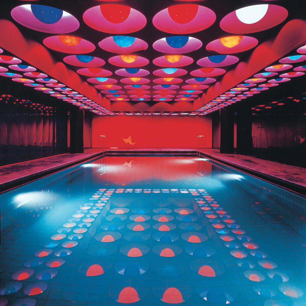 I love pop art .  indoor swimming pool design by Verner Panton, Spiegel-Verlagshaus (Hamburg), 1969 https://www.facebook.com/pages/miss-Lady-Kier/296808489716?fref=ts