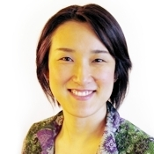 akiko - intercultural coach - lighter.jpg