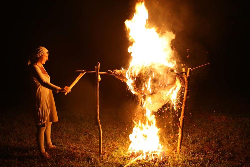Ugnies skulptūros Justė Balčiūnaitė