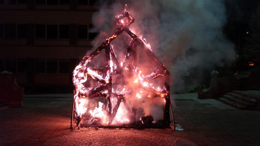 Ugnies skulpturos\Fire Sculptures. Menininkas  Žilvinas Danys  / Artist  Zilvinas Danys