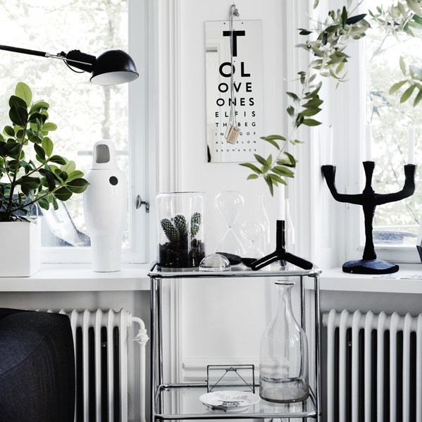 Black & White Chic à la Lotta Agaton