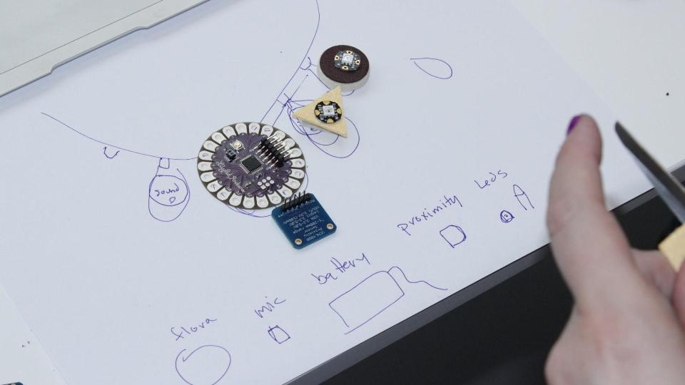 Wearable Sensorial Diary  (7).jpg