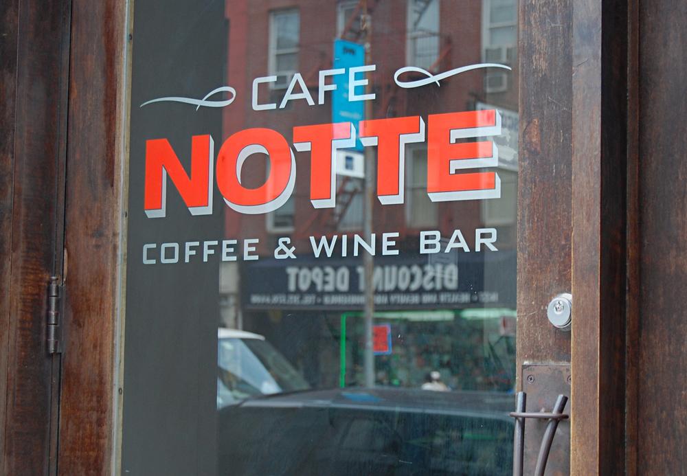 02_cafenotte_facade.jpg