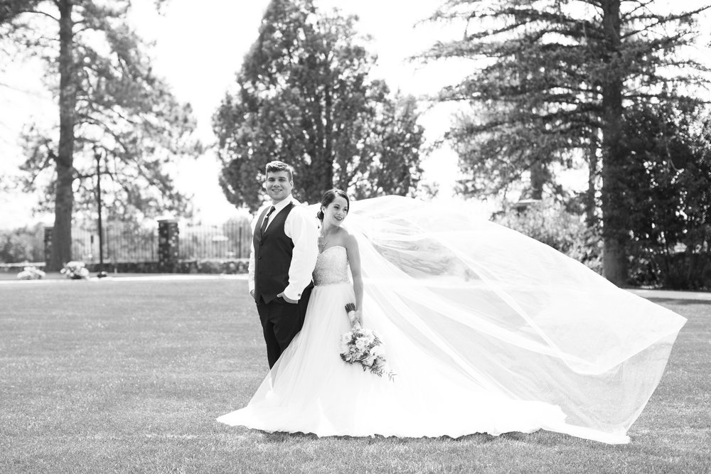 Old Hollywood Style - Featured on Storyboard Wedding
