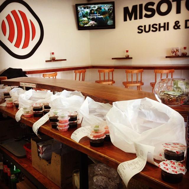 Pedidos pedidos mas pedidos!! #MISOTORINO #sushi #LasCondes #PruebaMISO #PremiumSushi #PremiumRolls #santiago #QuieroSushi #instasushi #sushilover #sushitime #SushiLasCondes #CambiateaMISO #calidad #2015  www.MISOTORINO.cl