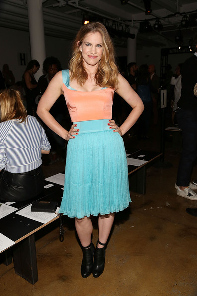 Anna Chlumsky in Sophie Theallet NYFW SS15 Sept.9,2014.jpg