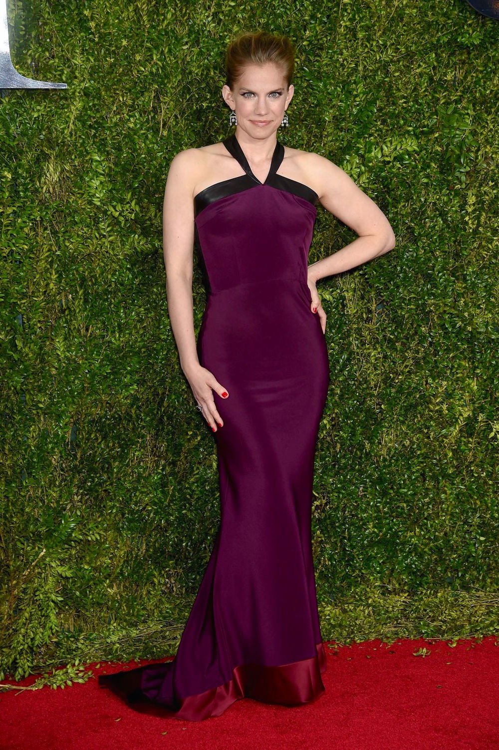 anna-chlumsky-sophie theallet-2015-tony-awards-in-new-york-city_1.jpg