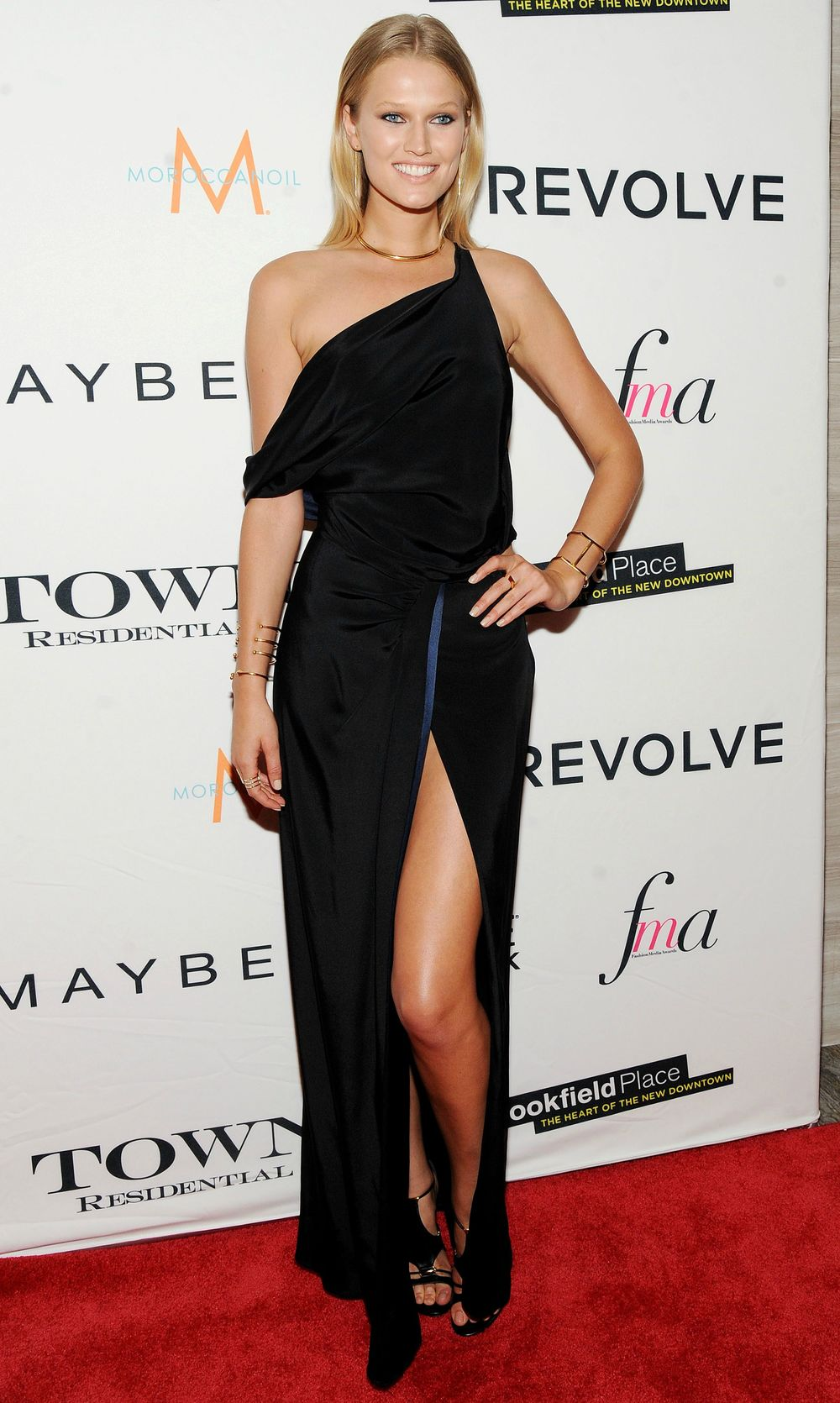 Toni garrn fashion media awards 2015 wearing sophie theallet.jpg
