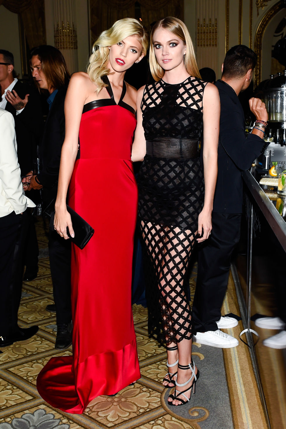 devon-windsor-and-lindsay-ellingson-in-sophie-theallet-bazaar-icons.jpg